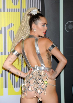 Miley Cyrus: 2015 MTV Video Music Awards in Los Angeles [adds]-54